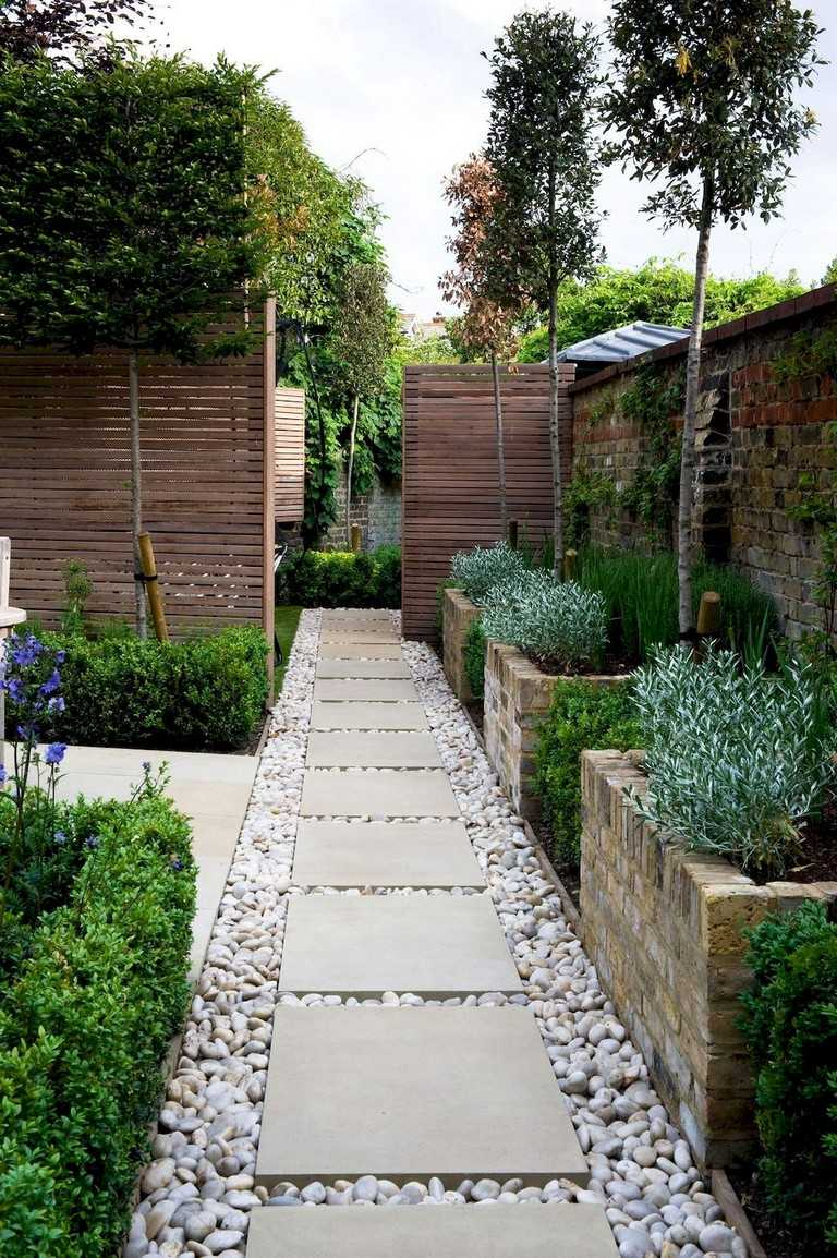 30 Perfect Small Backyard & Garden Design Ideas - Gardenholic on Small Yard Landscaping Ideas id=65475