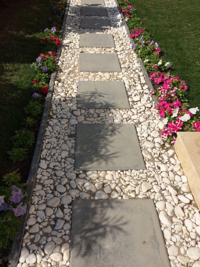 40 Simply Amazing Walkway Ideas For Your Yard - Gardenholic